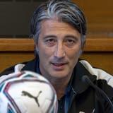 Murat Yakin, Trainer der Schweizer Fussballnationalmannschaft, gibt in Basel das Kader bekannt. (Bild: Georgios Kefalas/KEYSTONE)