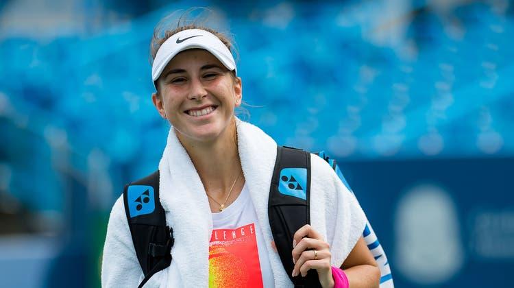 Belinda Bencic (Gold im Tennis-Einzel und Silber im Doppel) freut sich am Flughafenempfang in Zuerich, aufgenommen am Montag. 2. August 2021. (KEYSTONE/Ennio Leanza) (Ennio Leanza / KEYSTONE)