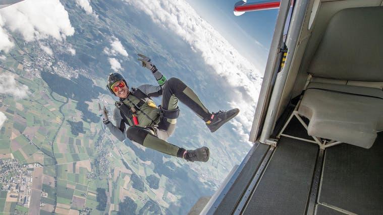 (v.l) Team CISM Motion Windwerk, Team Airheads und Team AFG sprangen in der Kategorie Formation Skydiving. (Bild: Lukas Maag (28. August 2021))