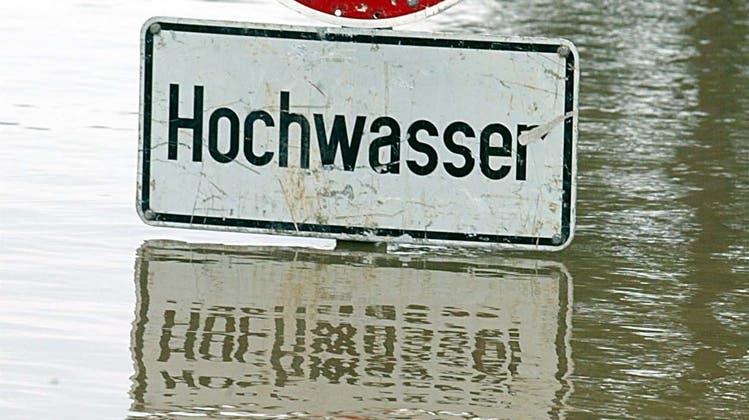 Fordert eine Aktualisierung der Hochwasservorsorge aufgrund neuester Erkenntnisse aus Deutschland: Grünen-Landrat Klaus Kirchmayr. (Sebastian Schanzer)