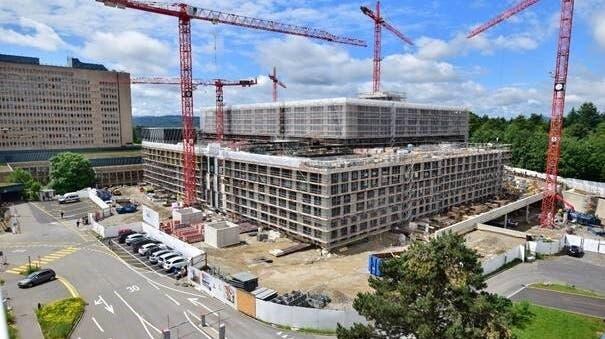 Der Neubau des Kantonsspitals Baden im August 2021. (Zvg/KSB)