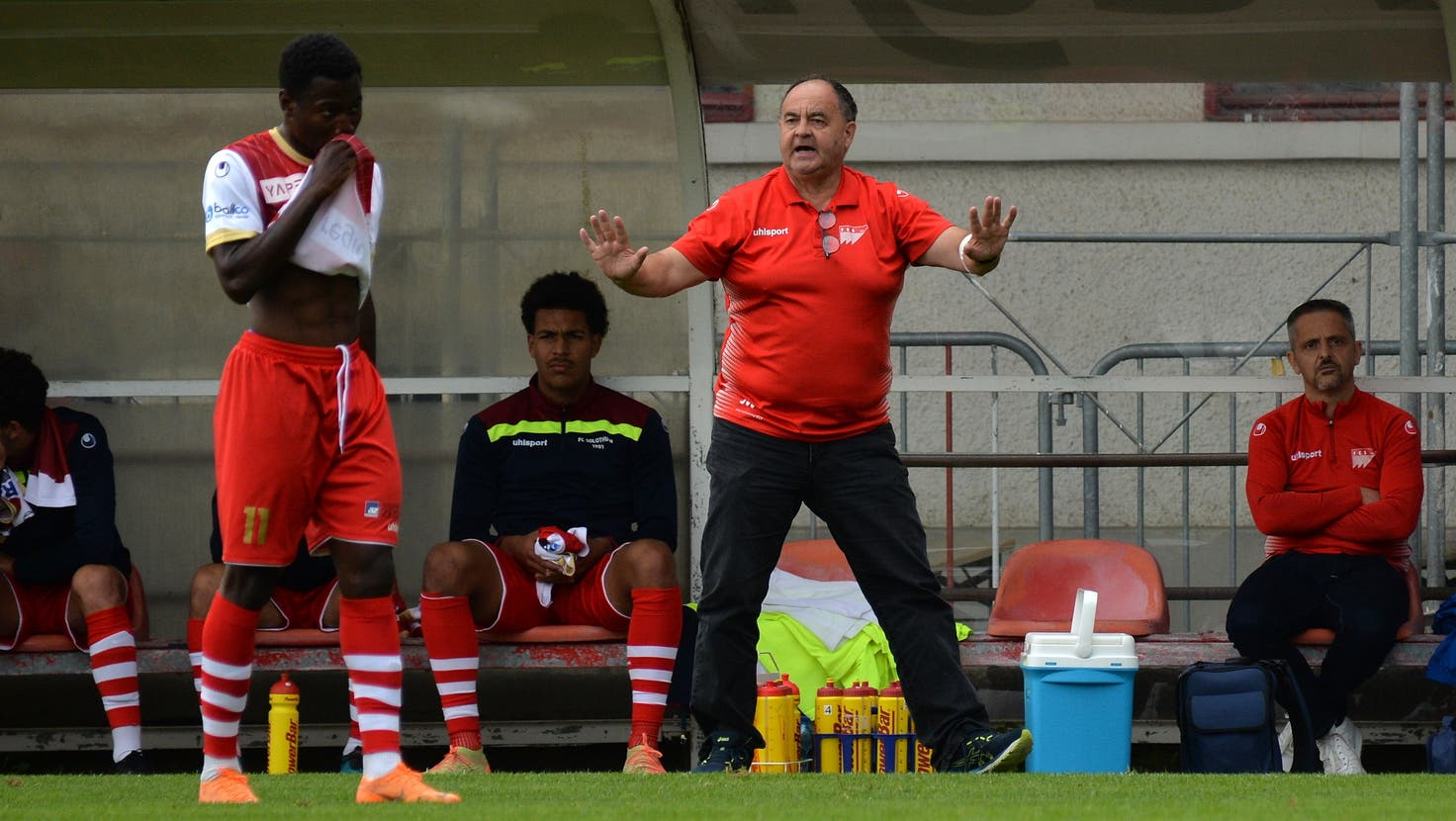 Sah einen miesen Auftritt seiner Mannschaft: FCS-Trainer Jürg Widmer. (Hans Peter Schläfli / Solothurner Zeitung)