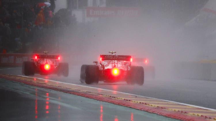 Regen, Regen und nochmals Regen: Das Rennen in Belgien dauerte nur gerade drei Runden. (Keystone)