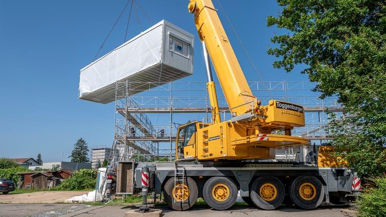 Das neue Schulhaus-Provisorium in Unterentfelden soll demnächst bezugsbereit sein. (Zur Verfügung gestellt)