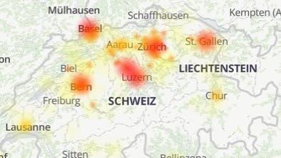 Die Swisscom hatte am Dienstag erneut in mehreren Regionen der Schweiz mit einem Internetproblem zu kämpfen. (Screenshot www.allestörungen.ch)