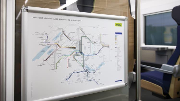 Laut der Initiative sollen verschiedene Bahnstrecken im Weinland verändert und zusammengeführt werden. (Symbolbild: Peter Klaunzer)