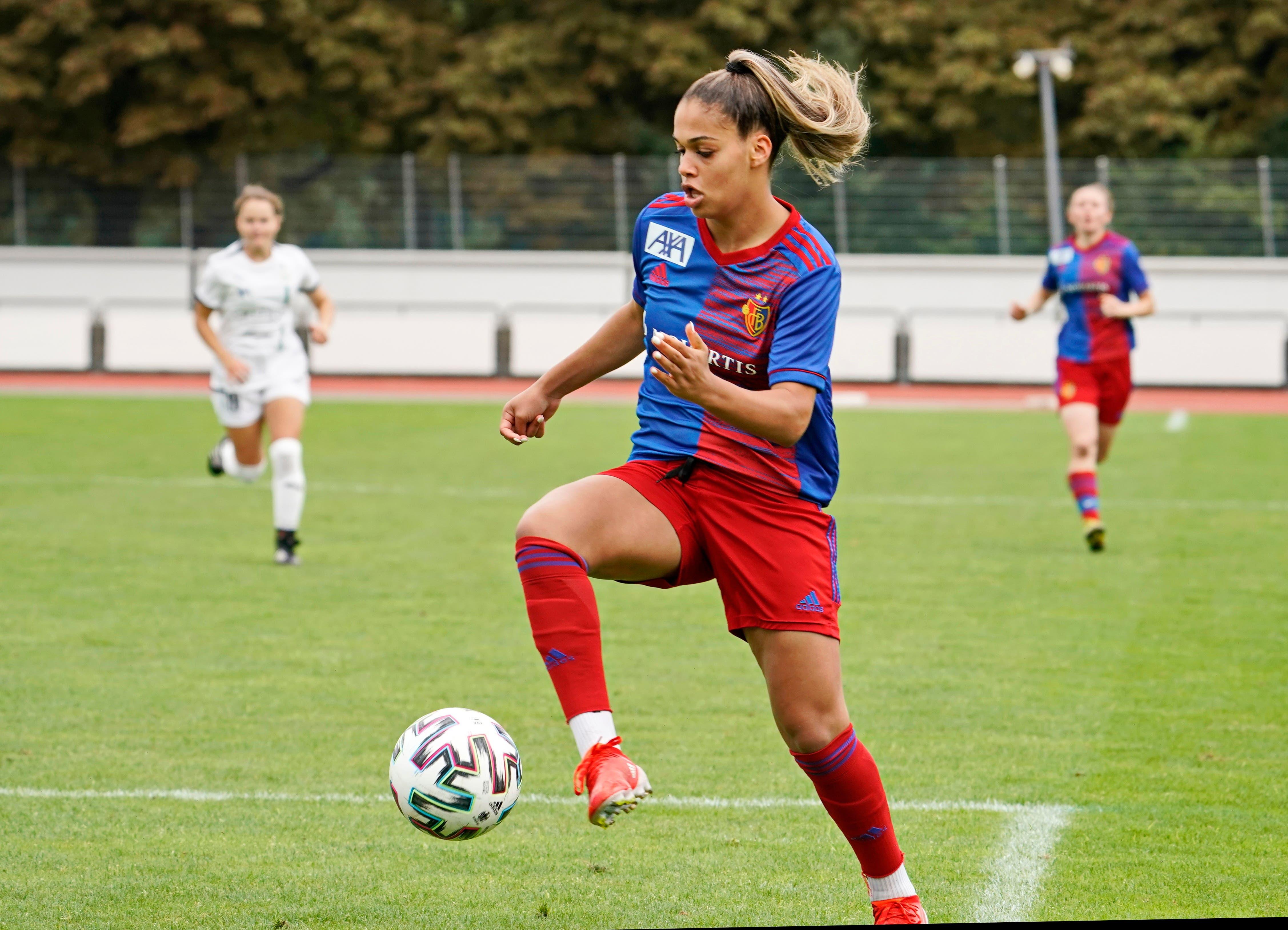 Die FCB Frauen tauchten immer wieder gefährlich vor dem Tor auf.