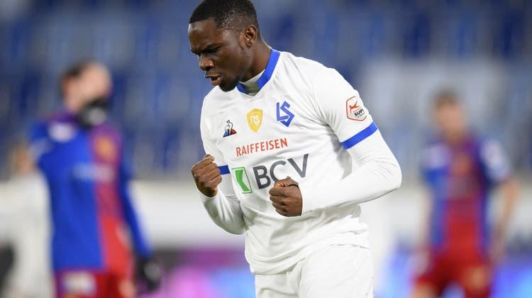 Stürmer Josias Lukembila traf im Februar für Lausanne gegen Basel – ab sofort spielt er für den FC Wil. (Laurent Gillieron / KEYSTONE)