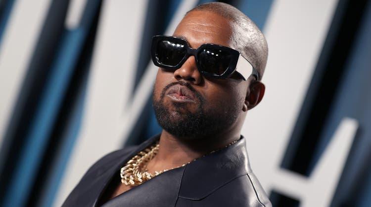 Ohne seine Goldkette ist dieser Mann nicht denkbar: Kanye West. (Rich Fury/Vf20 / Getty Images North America)