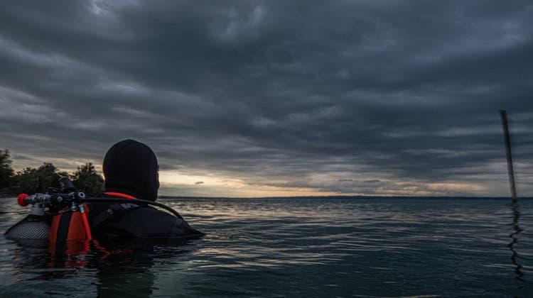In der Dämmerung hat das Tauchen im Bodensee seinen besonderen Reiz. (Bild: Tino Dietsche)