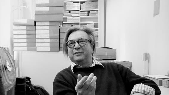 Wolfgang Weingart in seinem Archiv in Basel, 2011. (Museum für Gestaltung Zürich)