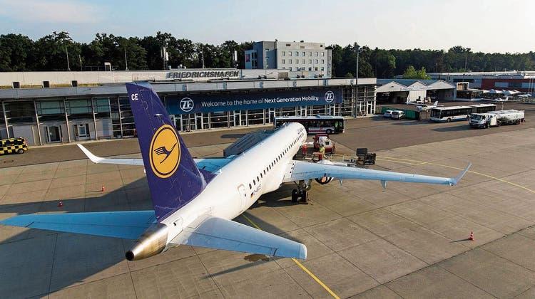Grösster Flughafenam Bodensee fliegt der Pleite davon– Finanzieller Fallschirm verhindert Bruchlandung