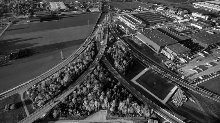 Das Autobahnkreuz Härkingen aus der Vogelperspektive. (Patrick Lüthy)