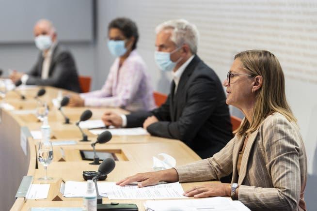 Virginie Masserey, Leiterin Sektion Infektionskontrolle, Bundesamt fuer Gesundheit BAG, Martin Ackermann, Praesident, National COVID-19 Science Task Force an einer Pressekonferenz im Juli 2021.
