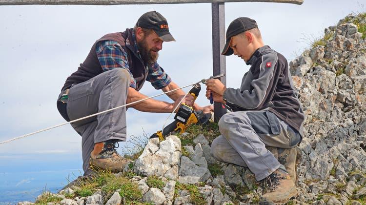 Die Wägbuiär Alpnach sind dieses Jahr mit rund 20 Teilnehmern im Pilatusgebiet im Einsatz. (Bilder: Robert Hess (Pilatus-Kulm, 3. August 2021))