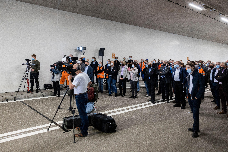 Zur Eröffnung des Tunnels waren zahlreiche Gäste geladen.