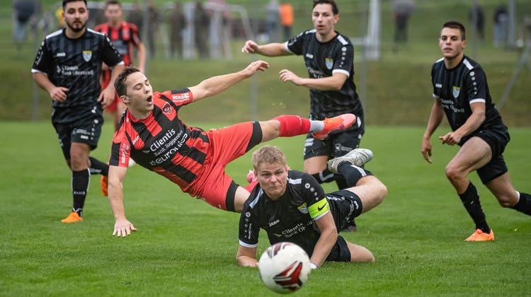Der Schein trügt: Der FC Bazenheid ist in der Vorrunde nicht aus dem Gleichgewicht geraten. (Bild: Michel Canonica)