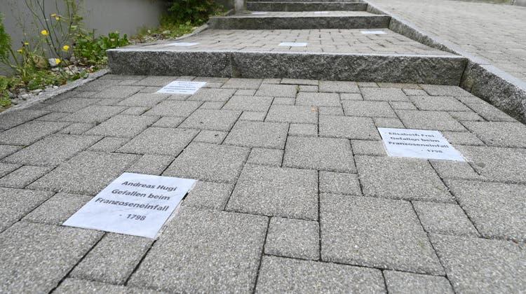 Ehrentreppe Absyte: Franzoseneinfall, die gefallenen Grenchnerinnen und Grenchner Anna Maria Schürer, Elisabeth Frei und Andreas Hugi. (Oliver Menge)