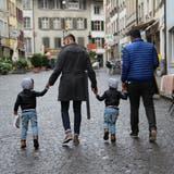 Nationalrat David Zuberbühler ist gegen die «Ehe für alle». Der homosexuelle Robin Portmann wünscht sich hingegen, dass auch Andersliebende heiraten und Kinder bekommen dürfen. (Bild: AZ)