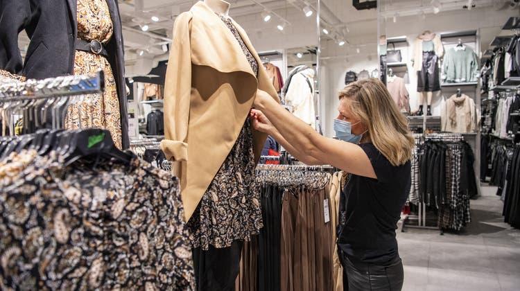 Corona hat die Umsätze der Modebranche einbrechen lassen. (Urs Flueeler / KEYSTONE)