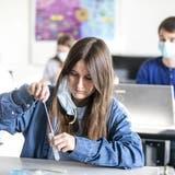 Ab dem 16. August wird an Aargauer Schulen wieder regelmässig getetestet. (Alexandra Wey / KEYSTONE)