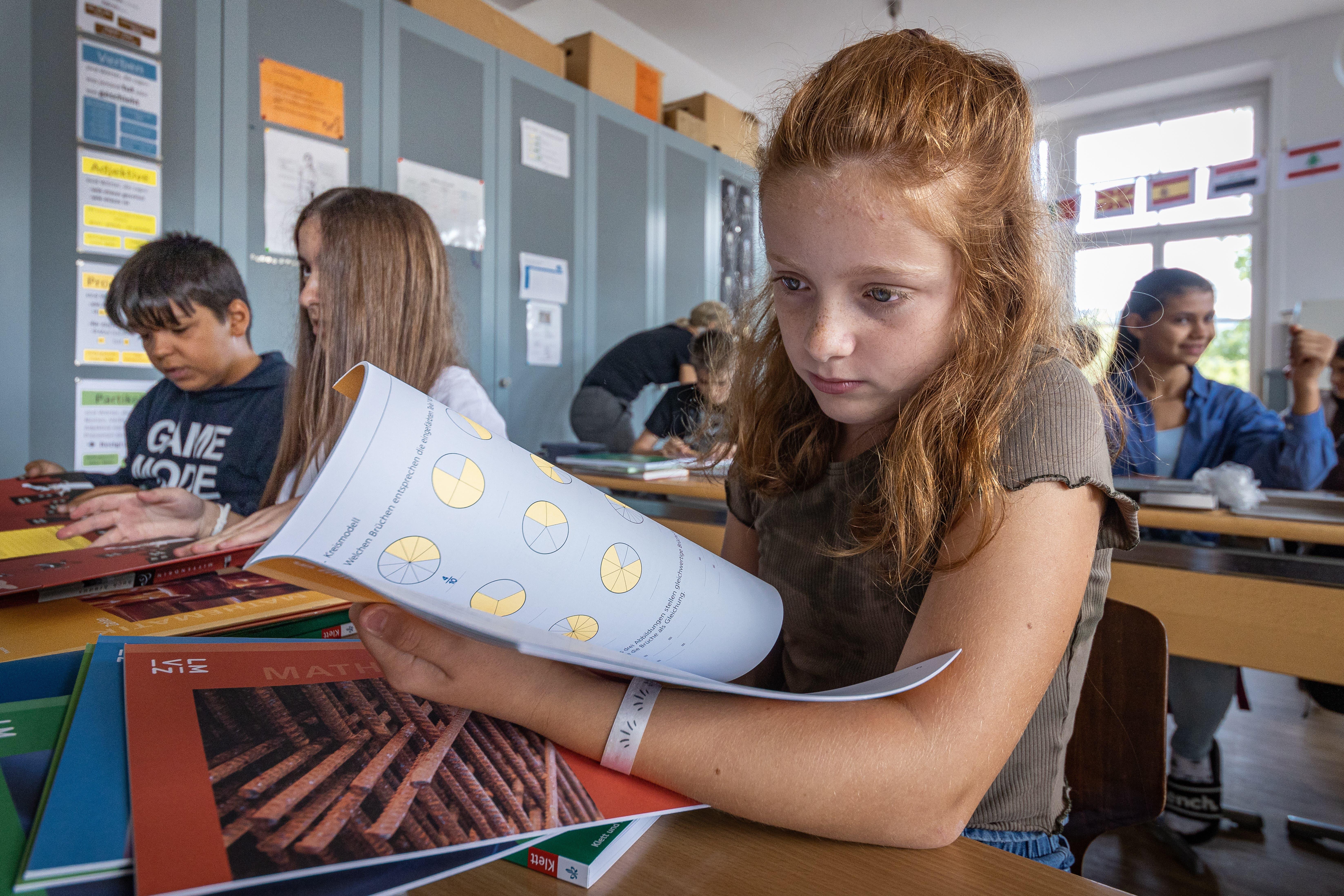 Für die Schülerinnen und Schüler startete am Montag das neue Schuljahr.