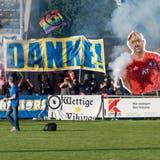 Die Fans vom «Lägereblock» bedanken sich bei der Mannschaft des FC Wettingen. (zvg)