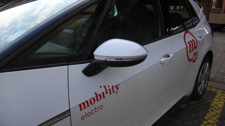 Allen Wilerinnen und Wilern wird das Mobility-Abonnement für ein Jahr geschenkt. (Bild: Claudia Meier)