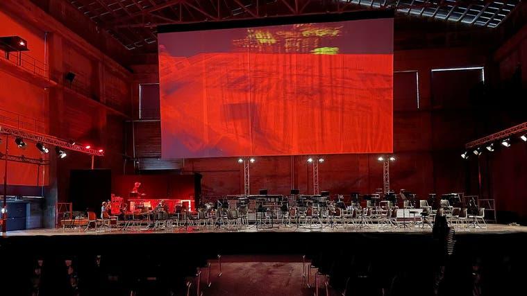 Mussorgsky Meisterwerk «Bilder einer Ausstellung» wird in der Kiesofenhalle auf dem Attisholz-Areal neu interpretiert. (Zvg)