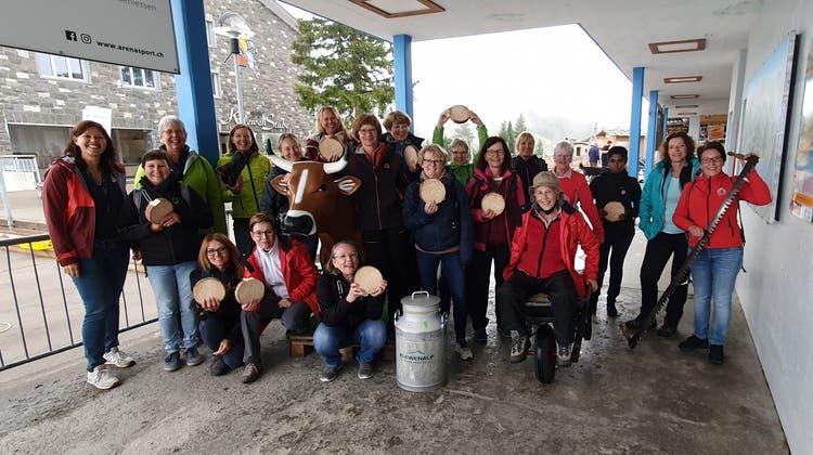 Der Damenturnverein mit olympischem Eifer am Alpengaudi