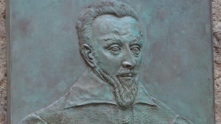 Für Sebastian Castellio (1515–1563) – im Bild eine Gedenktafel bei der Basler St.-Alban-Kirche – war Gewalt kein Argument. (Martin Stohler)