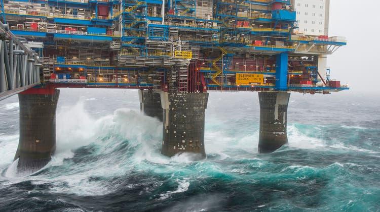 Bohrinsel vor der norwegischen Küste: Die Ölindustrie garantiert Arbeitsplätze – und ist vielen Norwegern doch ein Dorn im Auge. (Oyvind Hagen / Digital)