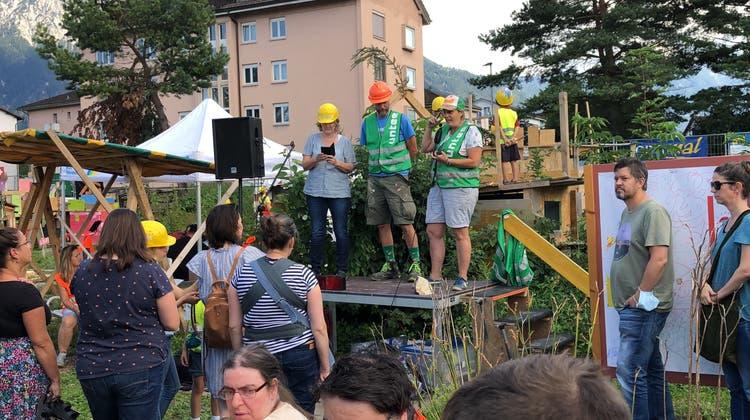 Auf der Baustelle können die Kinder die Grossen sein und die Grossen wieder wie Kinder. (PD)