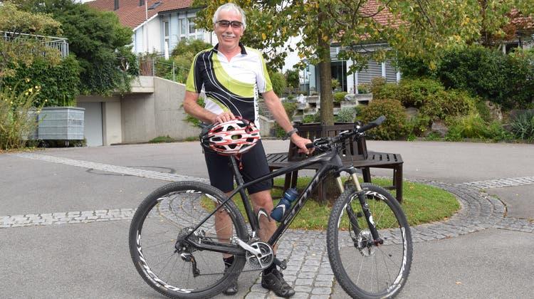Mit seinem Mountainbike gerne im Toggenburg unterwegs: Leo Meile. (Bild: Lara Wüest)