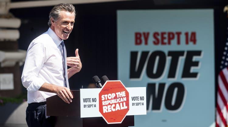 Der kalifornische Gouverneur Gavin Newsom muss sich am Dienstag einem Abwahlverfahren stellen. (Noah Berger / AP)