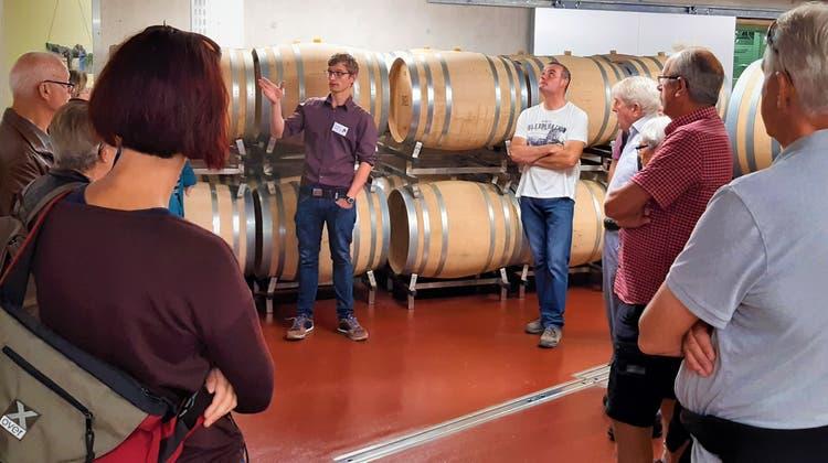 Neuer Fasskeller eingeweiht: Rund 800 Gäste haben vielfältige Weine an Trottentagen in Ennetbaden degustiert. (Stefanie Garcia Lainez / Aargauer Zeitung)