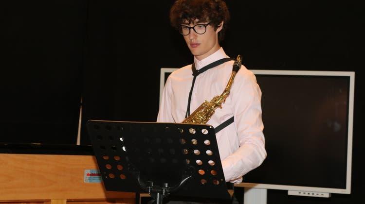 Ein junger Musiker beim Ostschweizer Musik- und Ensemble Wettbewerb. (Bild: Christof Lampart)