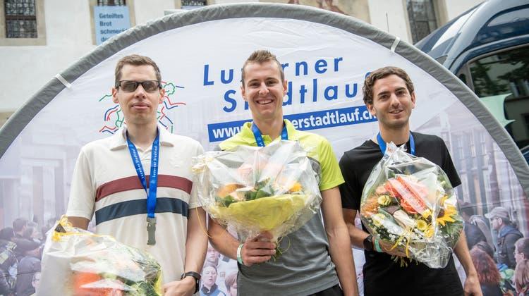 Simon Leu (Mitte) gewann dieses Jahr den Luzerner Stadtlauf. (Bild: Pius Amrein  (luzern, 12. September 2021) / Luzerner Zeitung)