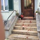 Die blutverschmierte Treppe  des Gasthofs Krone in Balterswil. (Bild: PD)