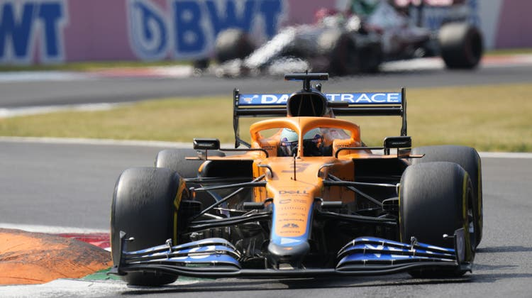 McLaren-Pilot Daniel Ricciardo fuhr einen unverhofften Sieg beim GP von Italien ein. (Keystone)