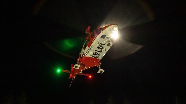 Die Rettungsaktion bei Dunkelheit gestaltete sich als schwierig, da Distanzen schwer einschätzbar sind. (Rega)