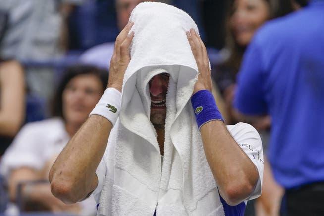 Djokovic vergiesst während der Partie Tränen der Rührung.