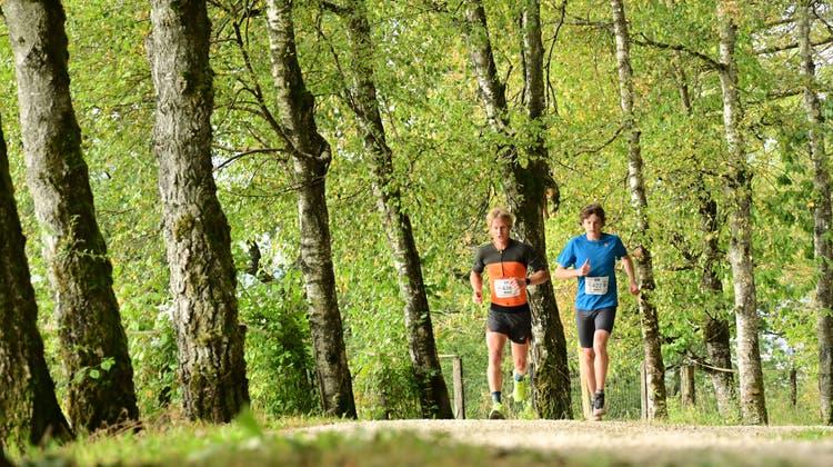 232 Laufbegeisterte machten sich auf den Weg Richtung Roggen. (Bruno Kissling)