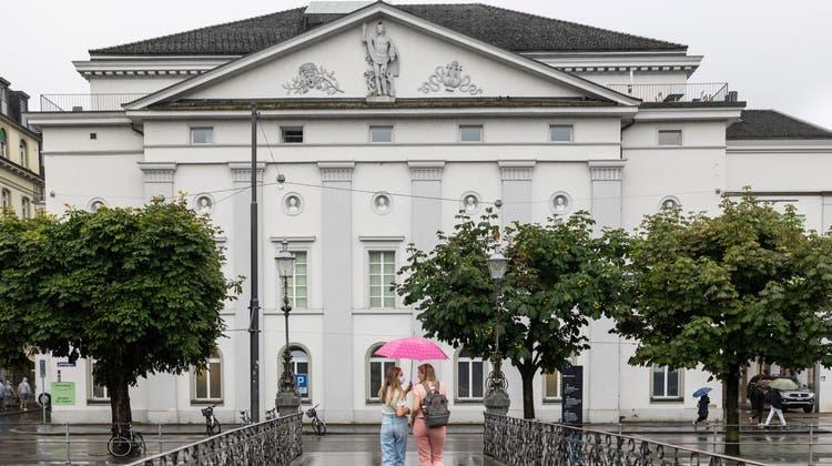 Das Luzerner Theater an der Reuss soll abgerissen werden und einem Neubau weichen. (Bild: Patrick Hürlimann)