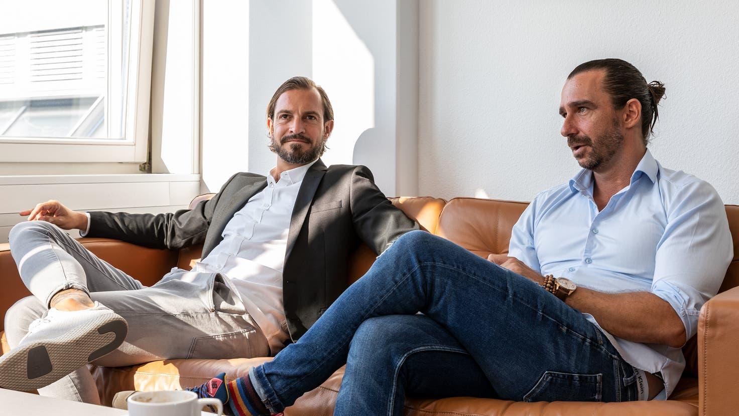 Sie wechselten die Seite: Patrick Marti und Marcel Nefvermitteln Sozialhilfebeziehenden eine Stelle. (Valentin Hehli)
