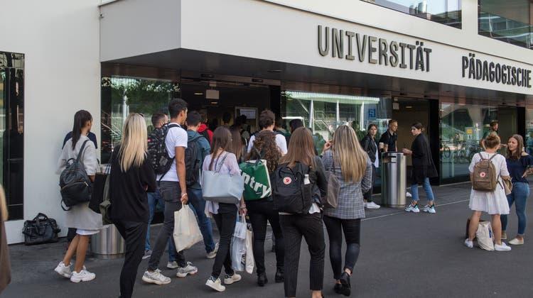 An der Universität / Pädagogischer Hochschule startet das neue Semester. Fotografiert am 16. September 2019 in Luzern.Boris Bürgisser / LZ (Lz / Boris Bürgisser / LZ / Boris Bürgisser)