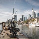 Der Basler Künstler Jean Tinguely stellte 1979 erstmals in Frankfurt am Main aus. (Bild: Zvg)