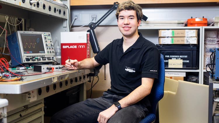 Mario Liechti hat seine Lehre zum Elektroniker im Paul-Scherrer-Institut (PSI) in Villigen absolviert und arbeitet weiter dort. (Britta Gut (9. November 2020))