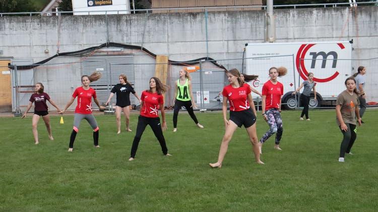 Das Gymnastik-Kleinfeld-Team des STV Gams hat emsig trainiert und freut sich nun darauf, ihr Programm dem Heimpublikum zu zeigen. (Robert Kucera)