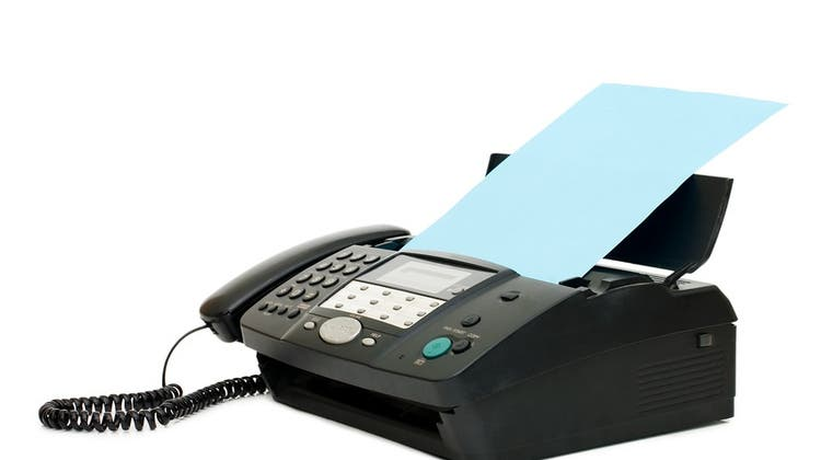 Leider noch immer Realität im Gesundheitswesen: das Faxgerät. (26195416,footlia)